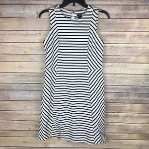 Ann Taylor Sz 4P Petite Black White Stripe Dress